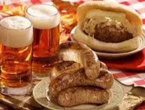 немецкие сосиски с пивом