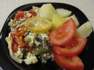 Морская рыба с овощами