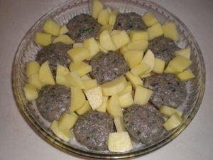 Картофель в форме для запекания