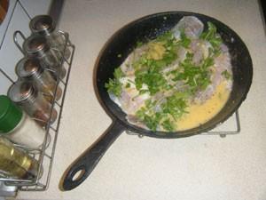 пангасиус на сковороде