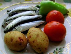 Салака для запекания с овощами