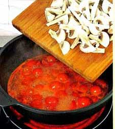 соус из помидор и грибов