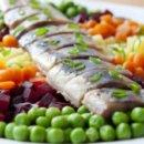 Сельдь с овощным гарниром