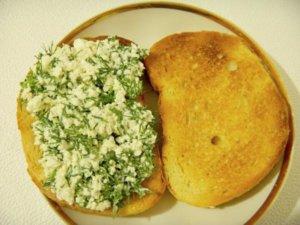 Творожная масса на хлебе