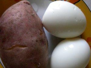 Картофель и яйца для форшмака