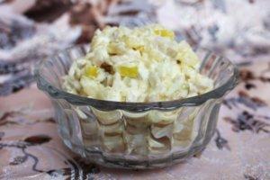 Салат картофель, яблоки, кальмары