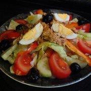 Салат с осетровой рыбой