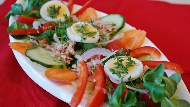 Салат из рыбы с овощами