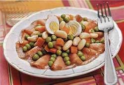 Салат с рыбой по-неополитнски