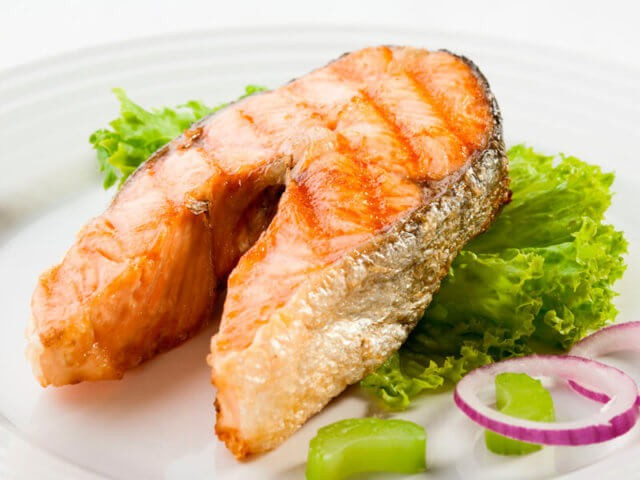 жареная лососина