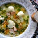 Суп с семгой и манными клецками