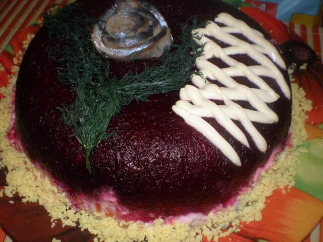 Сельдь под шубой в виде торта
