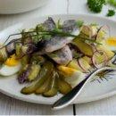 Салат с картошечкой и рыбой