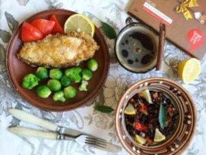 Зубатка с черным рисом и овощами