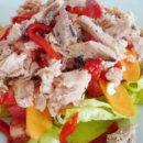 Салат с рыбой и сладким перцем