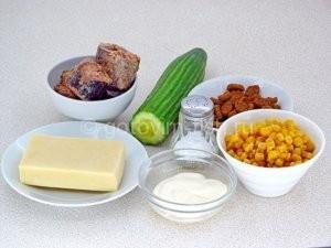 Продукты для салата из тунца