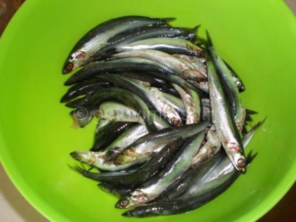 Жарим мелкую рыбу