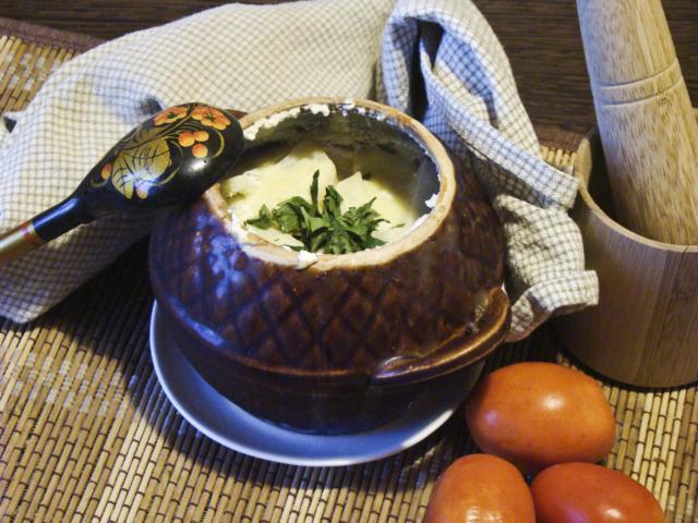 Рыба с картошкой в горшочке в духовке