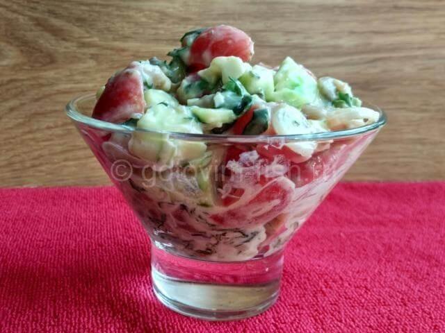 Салат из копченой скумбрии