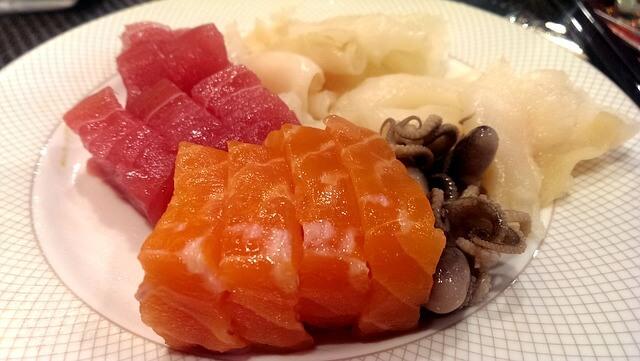 Морепродукты на столе